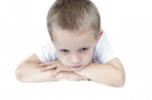 Ser sincero é muito importante para ajudar a criança a lidar com a morte de alguém querido